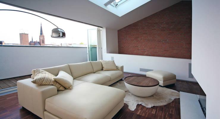 غرفة المعيشة تنفيذ spreeformat architekten GmbH, تبسيطي