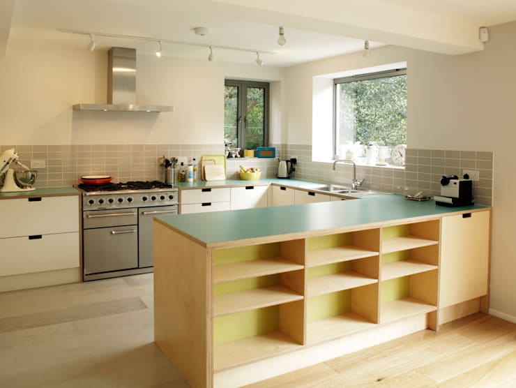 Birch ply and formica kitchen: modern Kitchen by Matt Antrobus Design