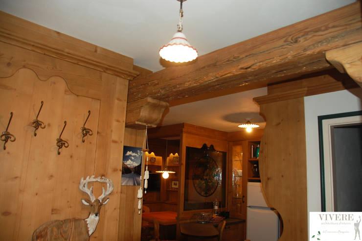 L'ingresso: Ingresso & Corridoio in stile  di Arredamenti Brigadoi