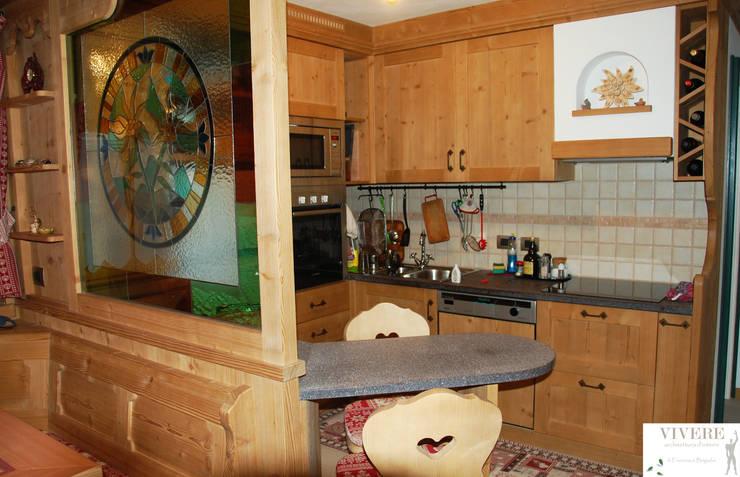 Casa Maddalena : calore montano.: Cucina in stile  di Arredamenti Brigadoi