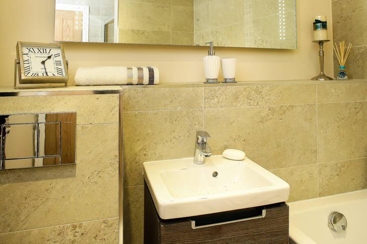 Bathroom:  Bathroom by Lujansphotography