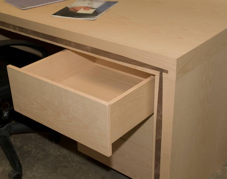 mesa lenervo con  3 cajones funcionales: todo para tu trabajo y estudio: Oficinas y tiendas de estilo  de Lenervo