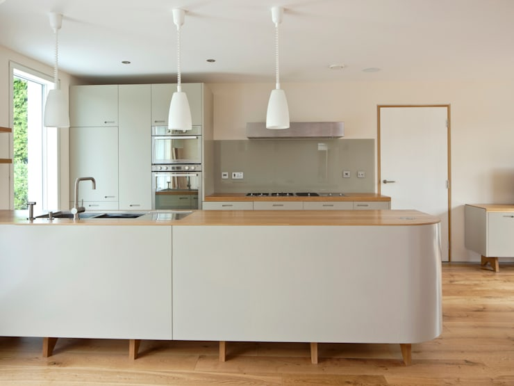 Bespoke Kitchen:  Kitchen by Facit Homes