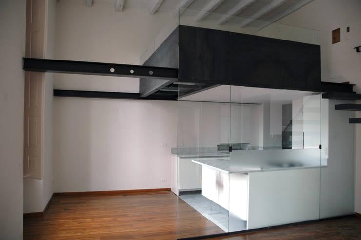 appartamento in piazza della Consolata TORINO: Cucina in stile  di BOTTEGA STUDIO ARCHITETTI