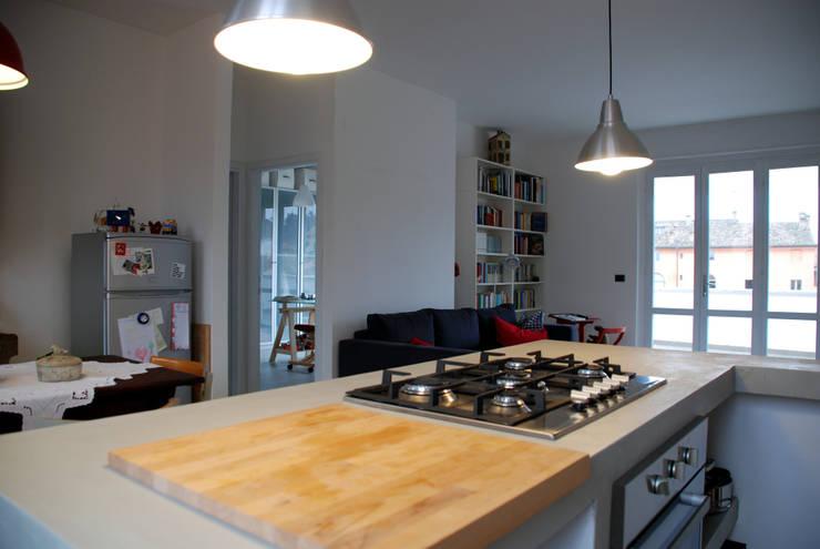 Cocinas de estilo  por andrea nicolini architetto