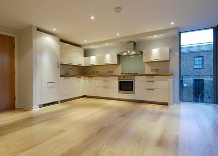 Notting Hill Townhouses:  Kitchen by Clarke Renner Architects