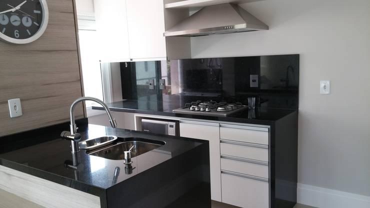 Cozinha: Cozinhas  por Interior Design Christiano Carvalho