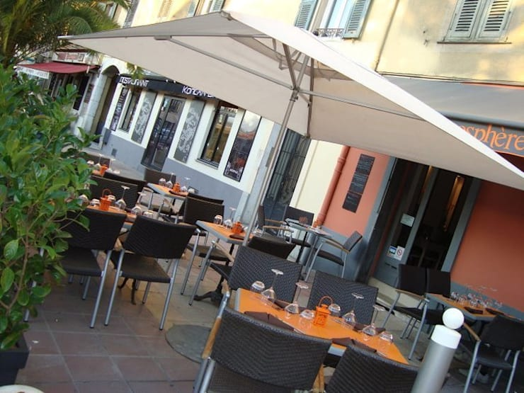 vue de la terrasse 01: Restaurants de style  par BARONBARON