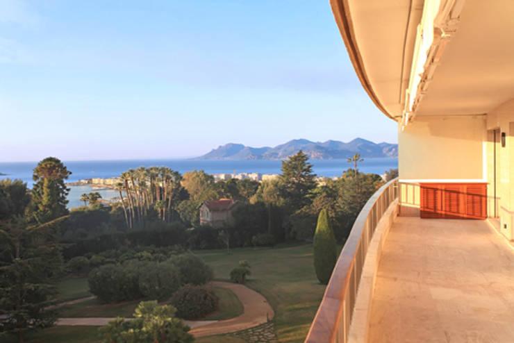 vue depuis la terrasse 02: Terrasse de style  par BARONBARON