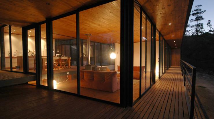 Casa 47:  Terrasse von scoopstudio,Minimalistisch