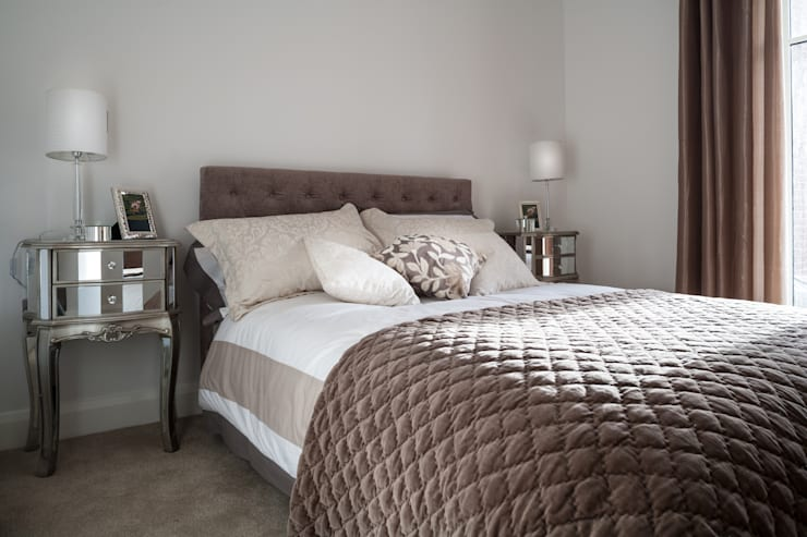 Show Flat in Ascot:  Bedroom by Lujansphotography