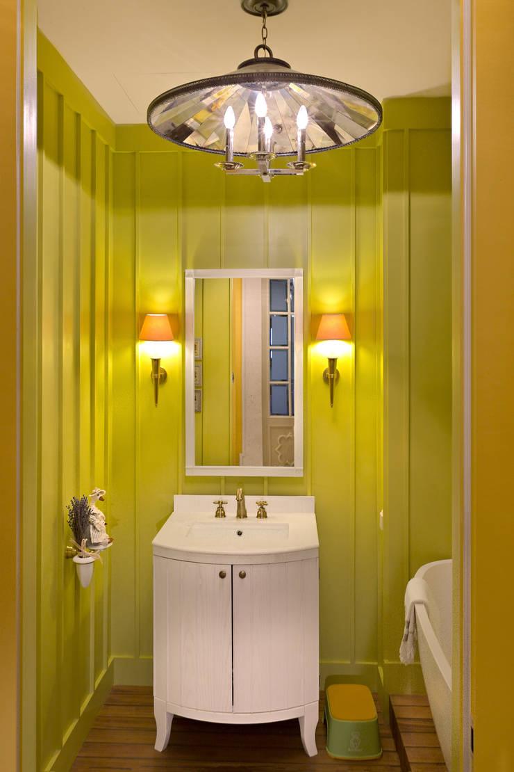 Детская ванная комната:  в . Автор – DesignPortrait®