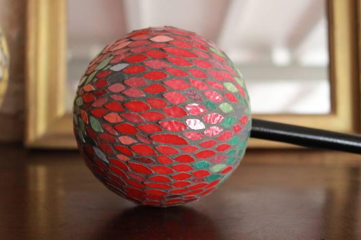 Boule mosaïque: Maison de style  par Mosa-Louisa