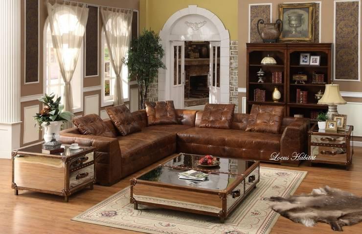 Leather Furniture:  Living room by Locus Habitat