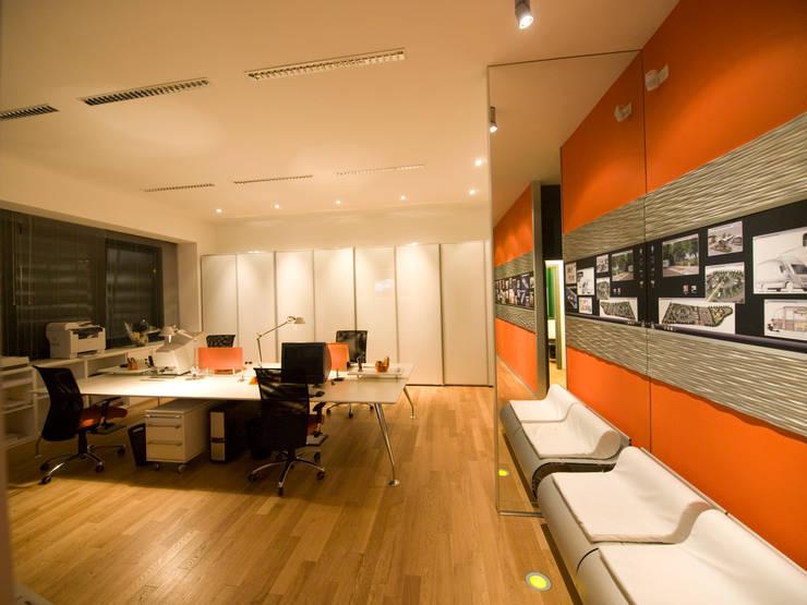 Studio Foschi & Nolletti - Ingresso: Studio in stile  di Foschi & Nolletti Architetti,