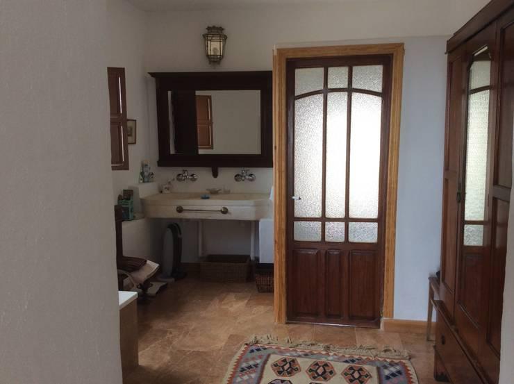 Baños de estilo mediterraneo por Anticuable.com