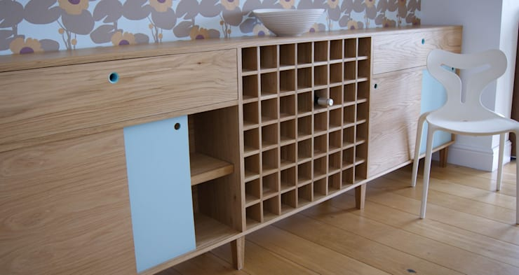 Oak Sideboard with Winerack:  Living room by MijMoj Design Limited