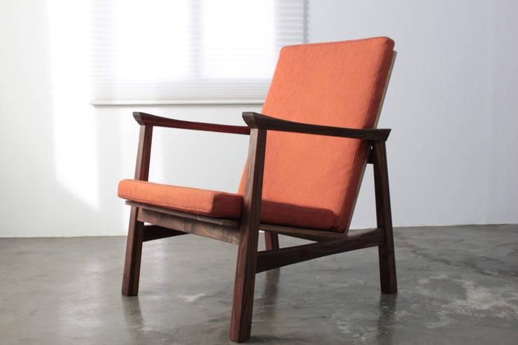 Grip on Armchair: The QUAD woodworks 의  서재/사무실