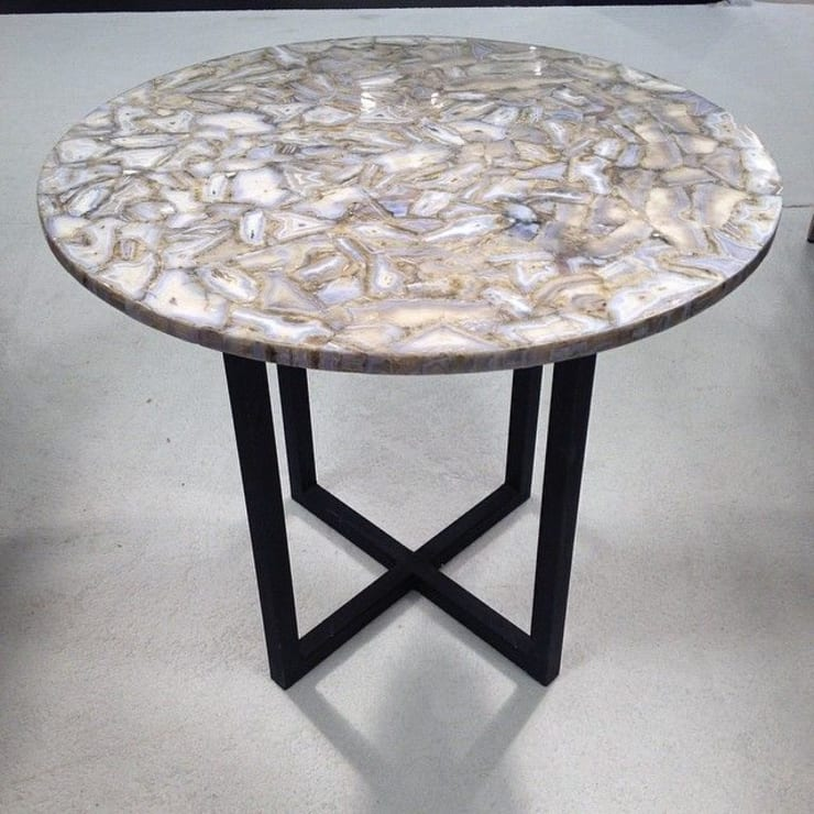 Blue Lace Agate Table:  Living room by Stonesmiths - Redefining Stone-Age