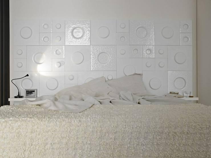 The Loft - testata letto: Camera da letto in stile  di D.I. Più s.r.l - Andretto Design,