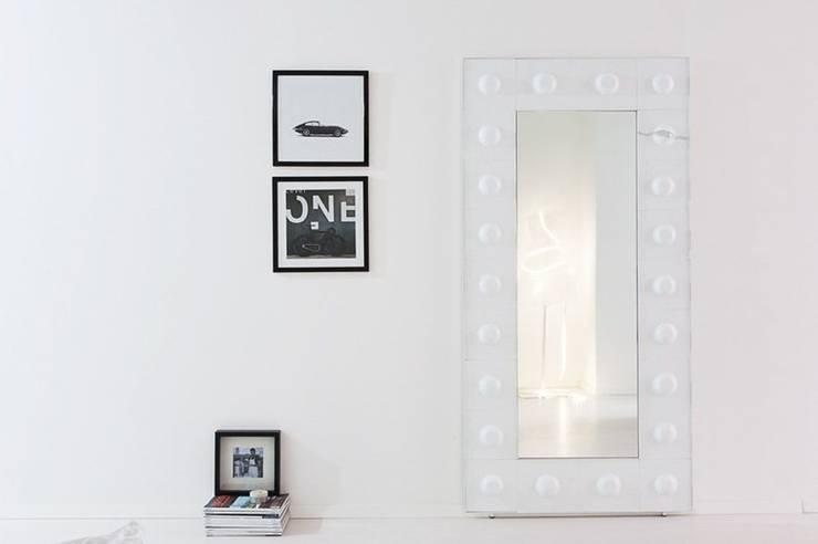 The Loft - Specchio: Arte in stile  di D.I. Più s.r.l - Andretto Design,
