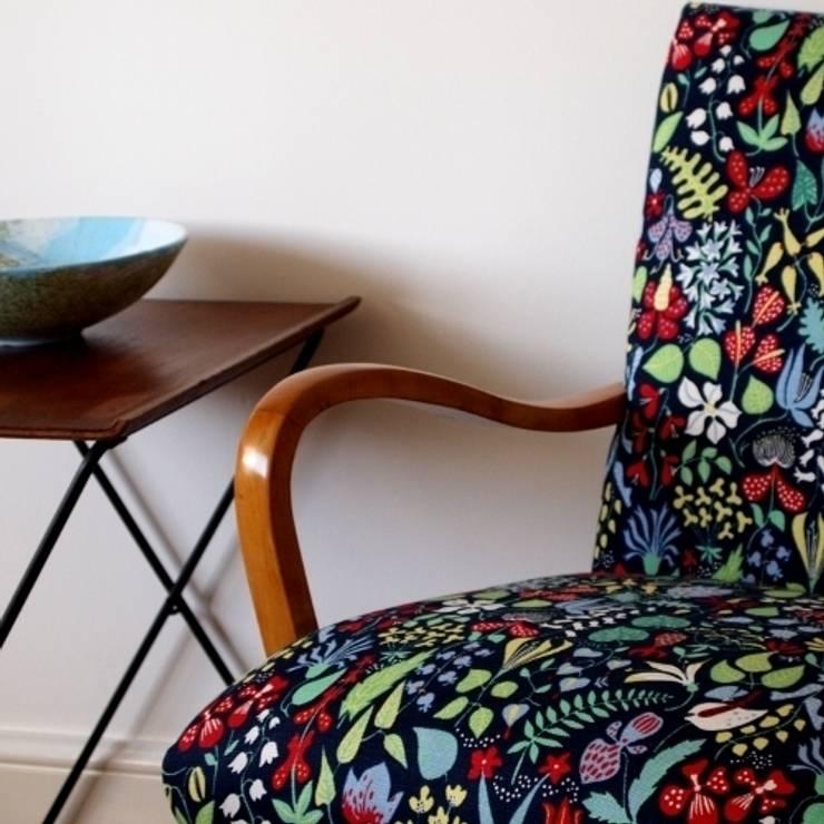Linne:  Living room by Weckner Design