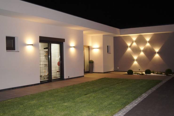 Terrazas de estilo  por Bolz Planungen für Licht und Raum