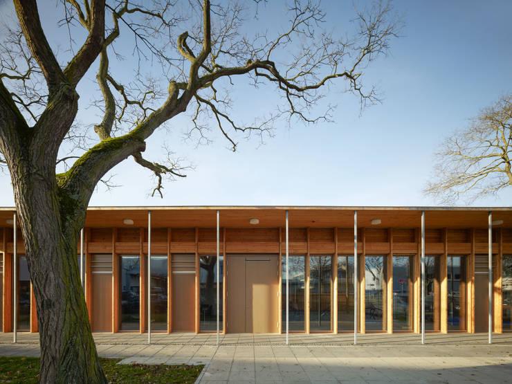 Ansicht von Osten / Eingangsfassade:  Schulen von MGF Architekten GmbH,