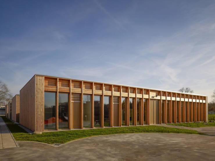 Ansicht von Westen:  Schulen von MGF Architekten GmbH,