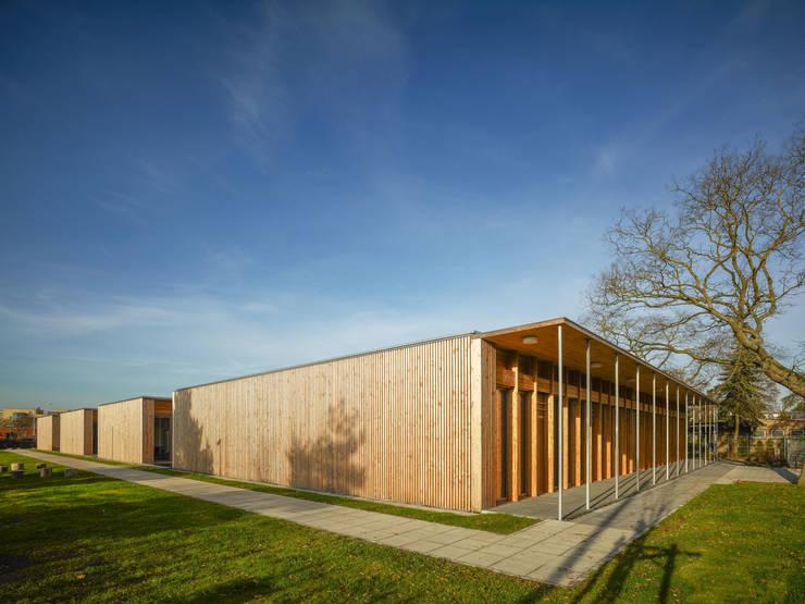 Ansicht von Süden:  Schulen von MGF Architekten GmbH,