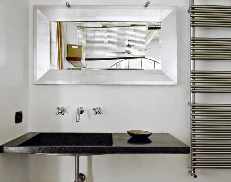 la casa serra: Bagno in stile  di orlandini design sas,