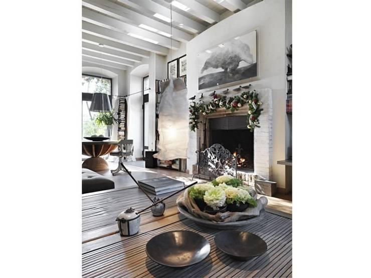 Living room by Studio Maggiore Architettura, Eclectic