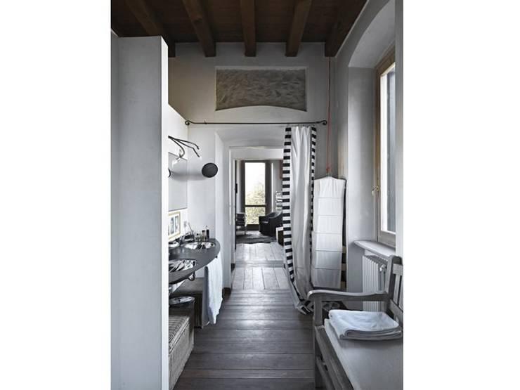 Spa by Studio Maggiore Architettura, Eclectic