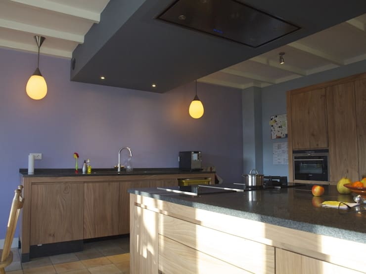 Woonhuis Oosterbeek:  Keuken door Frank Loor Architect
