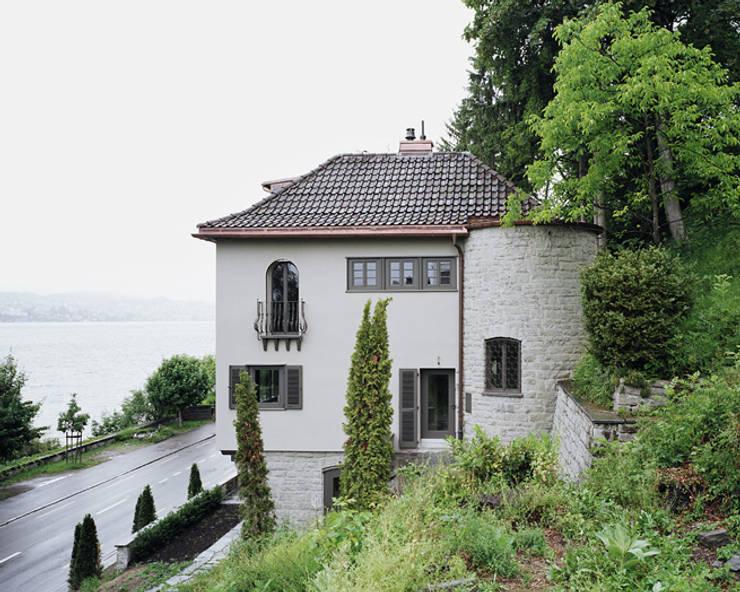 Gartenansicht des Bestandes:  Häuser von Lando Rossmaier Architekten AG
