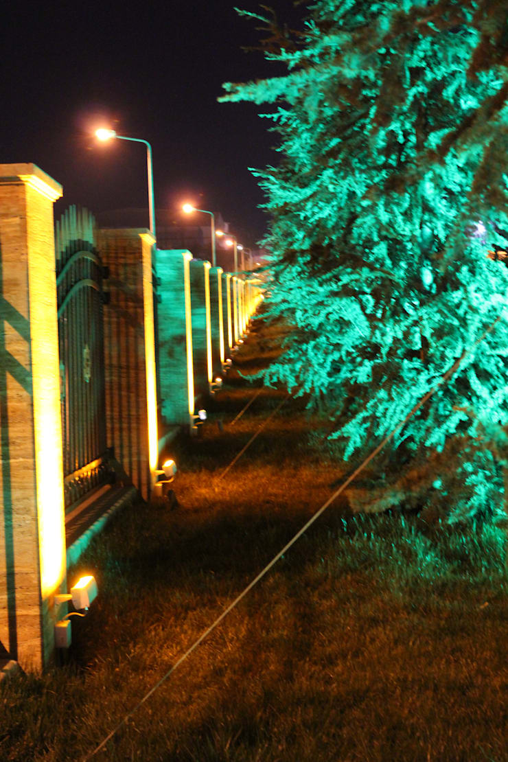 BAYTAŞ LIGHTING PROJECT CONTRACT MANUFACTURING INDUSTRY LTD. INC.CO. – HAYDAR ALİYEV PARKI:  tarz Bahçe, Akdeniz