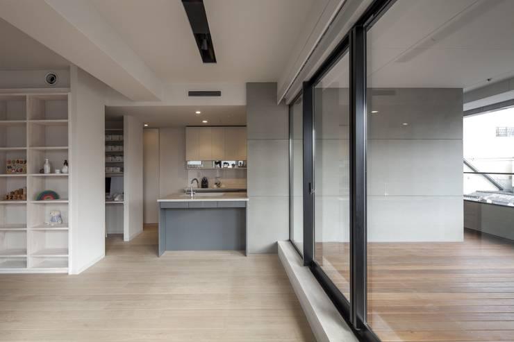 penthouse tn モダンな キッチン の 村川美紀建築設計事務所 モダン