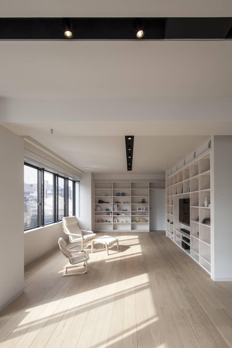 penthouse tn モダンデザインの 多目的室 の 村川美紀建築設計事務所 モダン