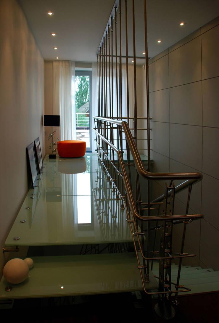 Дом в Ильино: Коридор и прихожая в . Автор – Дизайн-студия «ARTof3L»
