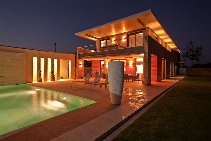 Privathaus Schutterwald: moderner Pool von Grossmann Architekten
