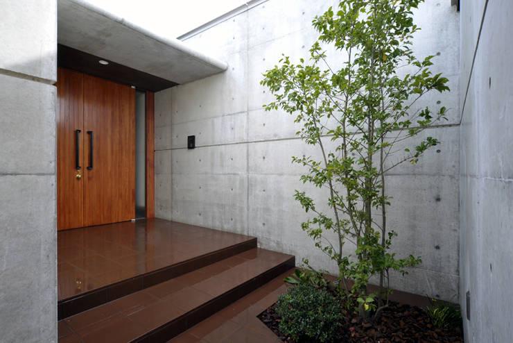 地平線の家: 片倉隆幸建築研究室が手掛けた窓です。