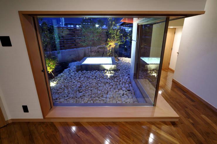 地平線の家: 片倉隆幸建築研究室が手掛けた庭です。