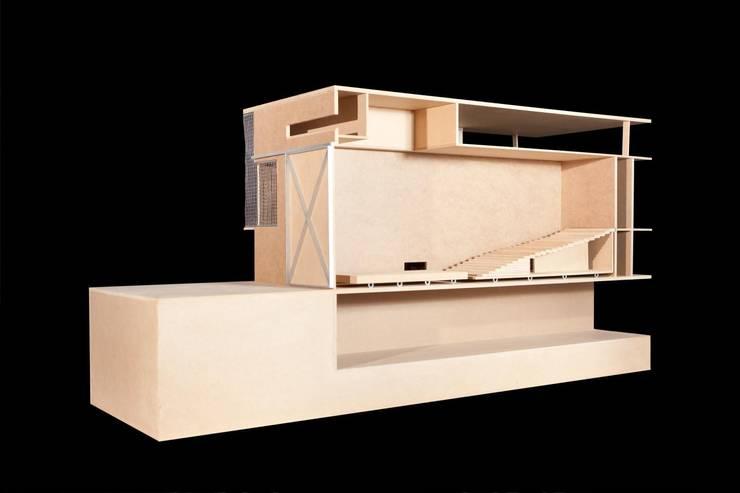 Centrum Sztuk Performatywnych: styl , w kategorii  zaprojektowany przez BEZ CUKRU studio projektowe