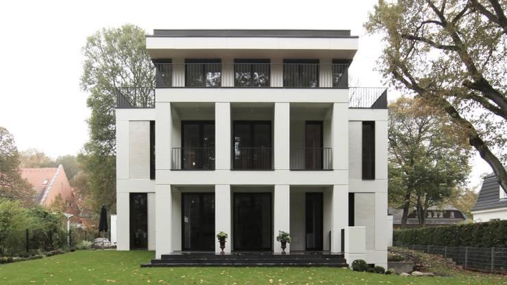 Gartenansicht:  Mehrfamilienhaus von SHSP Architekten Generalplanungsgesellschaft mbH