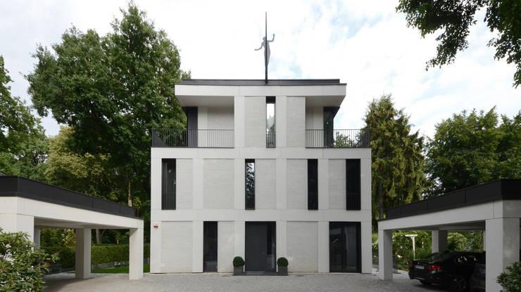 Vorfahrt:  Mehrfamilienhaus von SHSP Architekten Generalplanungsgesellschaft mbH