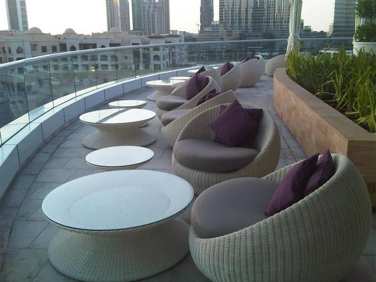 Camiar Design:  tarz Balkon, Veranda & Teras