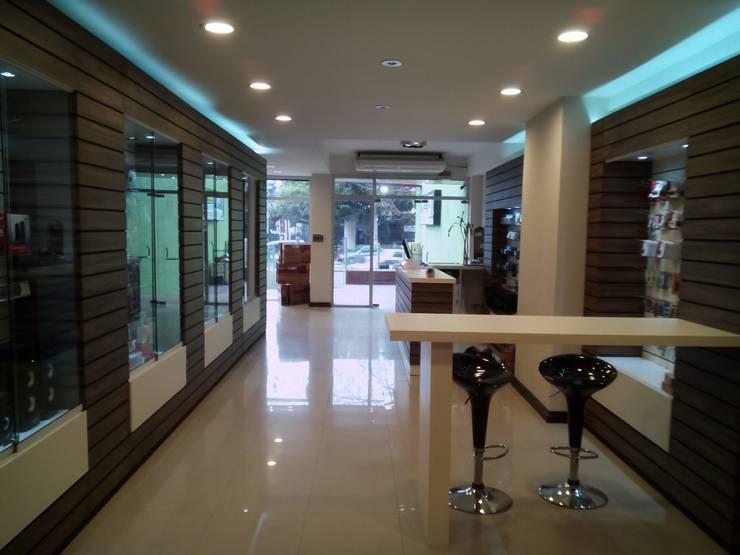 Local CIDIA: Oficinas y Tiendas de estilo  por Dali Arquitectura