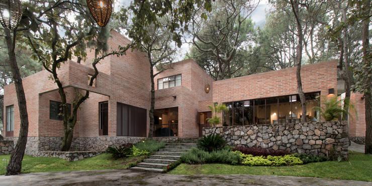 CASA PINAR: Casas de estilo moderno por MO+G Taller de Arquitectura