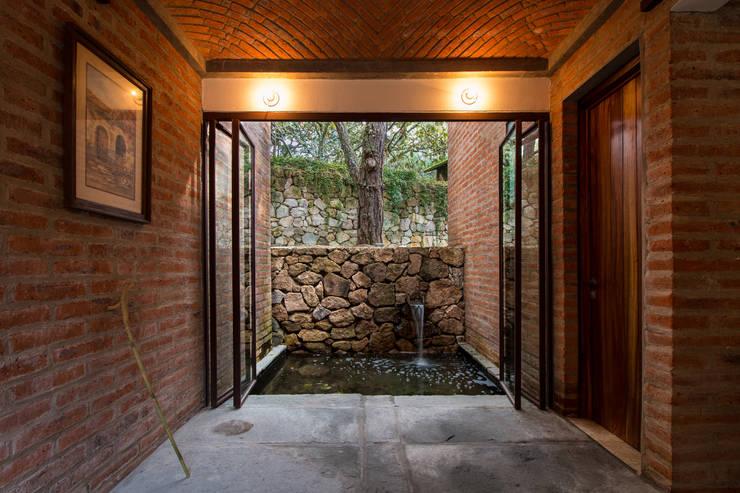 CASA PINAR: Casas de estilo  por MO+G Taller de Arquitectura