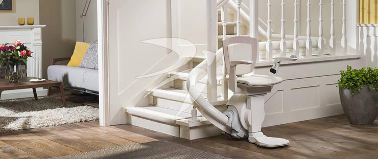 Corridor, hallway & stairs by Lifta GmbH